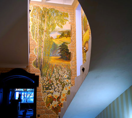 Роспись коттеджа в деревенском стиле, имитирует старинную фреску