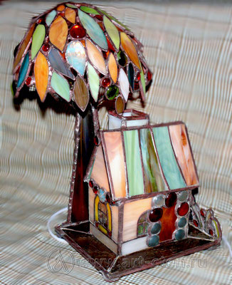"""№6 Витражный домик  с деревом """"Домашний Очаг""""."""