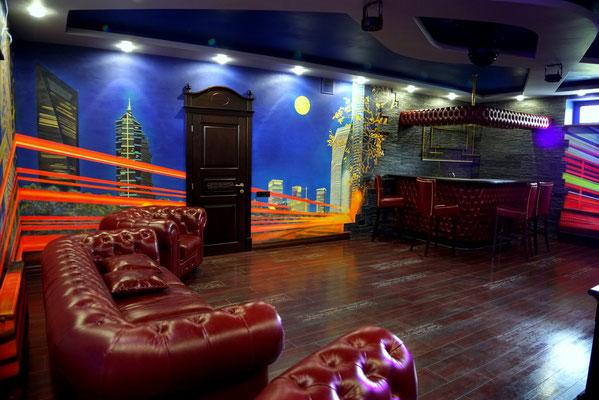Роспись стен светящимися красками