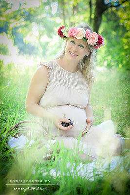 Outdoor Babybauch Foto Shooting Bern