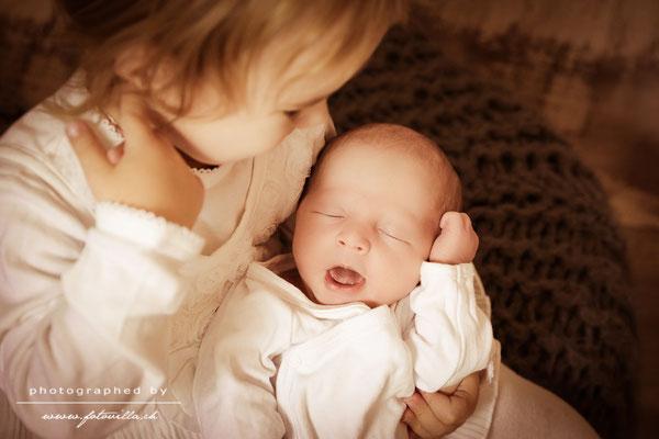 Geschwisterbild Newborn Baby Foto Shooting Bern