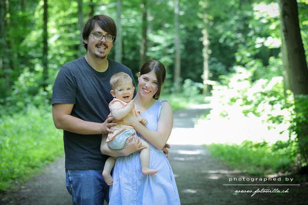 Familien und Baby outdoor Foto Shooting Bern