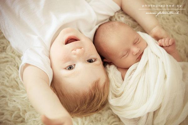 Newborn Foto Shooting mit Geschwister Bern