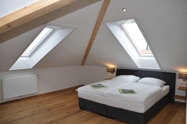 Schlafzimmer 1 Ferienwohung Langenargen