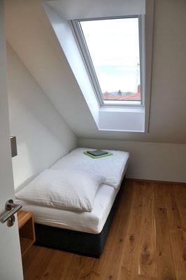 Schlafzimmer 3 Ferienwohnung Langenargen