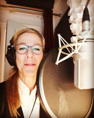 Antje Diller-Wolff verleiht einem Imagefilm ihre Stimme