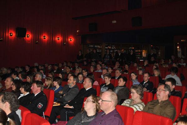 350 geladene Gäste feierten auf der Premiere
