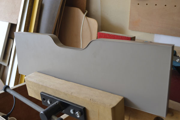 Placage de chant sur façade de tiroir