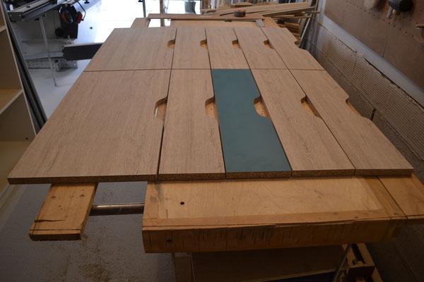 Façades de tiroirs en fabrication