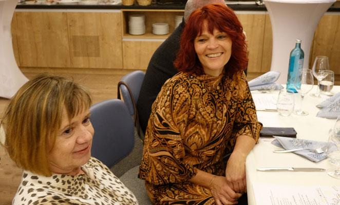 rechts im Bild, Simone Kniewasser, SonnenZeit