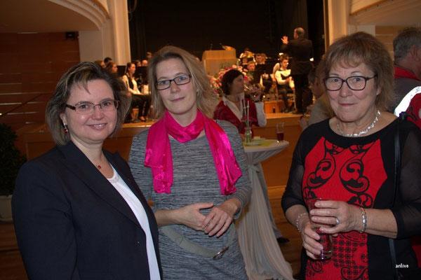 v.l. Renate Hans, Bürgermeisterin, Lehrberg