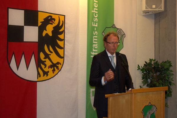 Dr. Christian Schoen