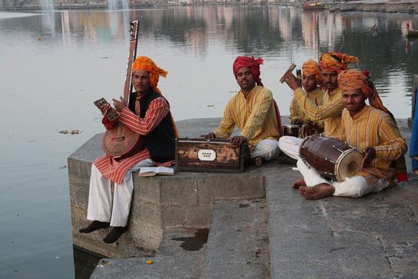 Harsiddhi - orchestre de la puja