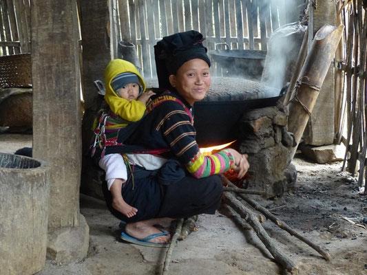 village de Lolos noirs - Khuoi Khon