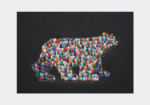 「bear」14×18cm、刺繍、アクリル、雲母