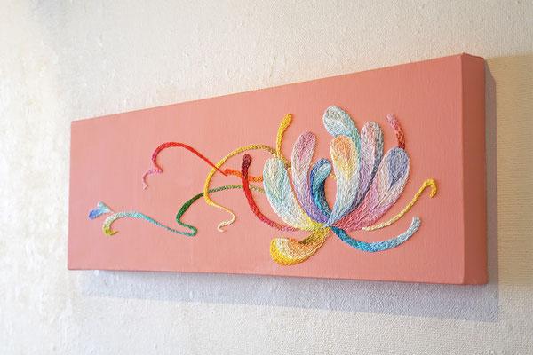 「紡ぎ」20×60cm、刺繍、アクリル