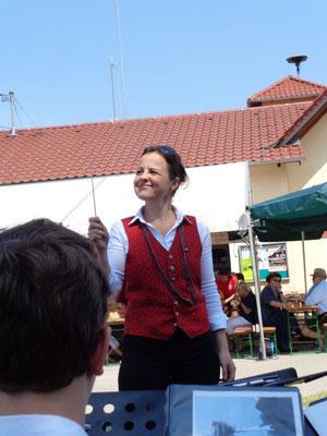 Eine neue Dirigentin: Dr. Susanne Auer