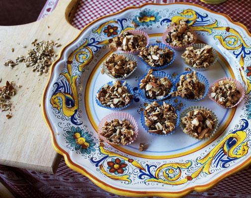 pasticcini, fiocchi di cereali, muesli