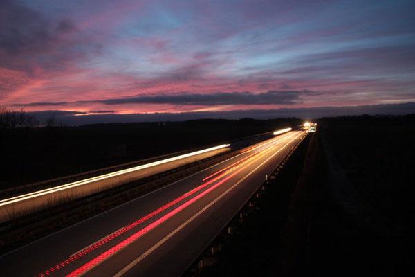 Langzeitbelichtung: Verkehrsströme - Norddeutsche Autobahn