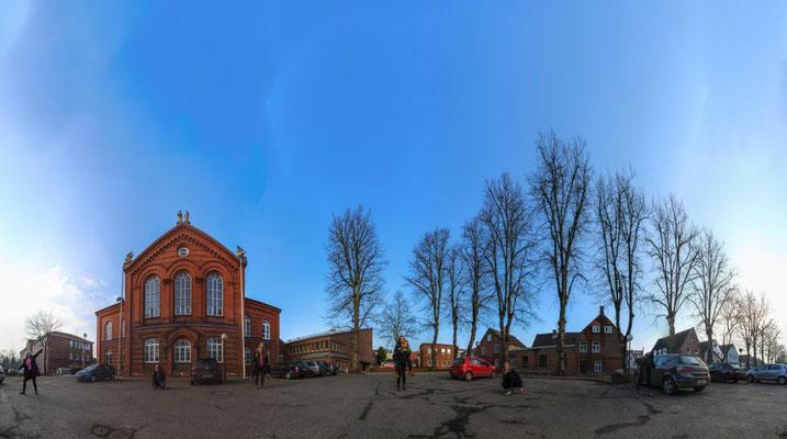 Panorama (zweireihig): Parkplatz der KKS