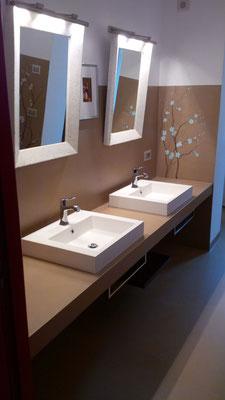 Rivestimenti per bagno e doccia - Emilresina - pavimenti e ...