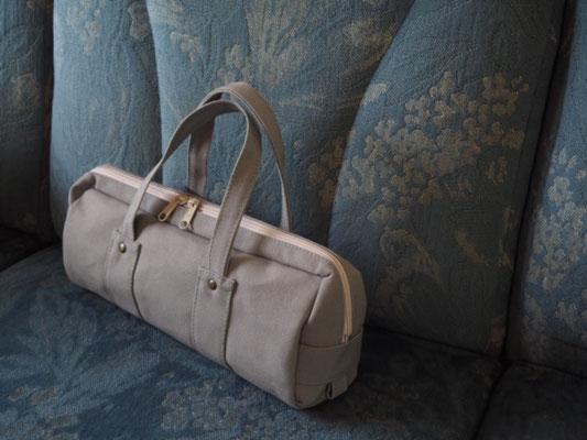シンプルな普段使いバッグ