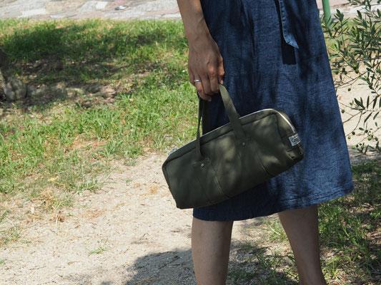 グリーンシンプルバッグ