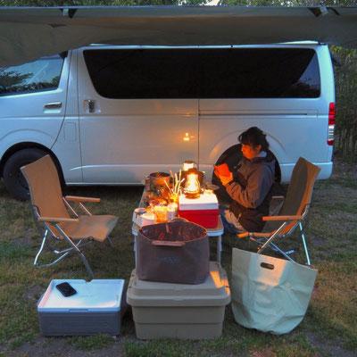 キャンプと帆布トート