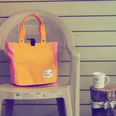 黄色とピンクの組み合わせ