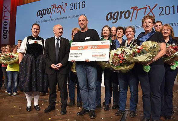 Bundesrat Ueli Maurer mit dem Swiss-Silk Team
