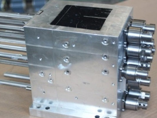 Holzbearbeitungsmotoren professionell reparieren lassen bei Elektromotoren Rock Reparaturwerk GmbH - Holzbearbeitungsmotor 2