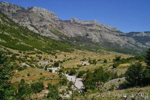 Road towards Thethi National Park
