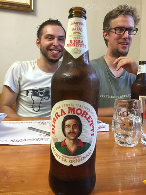 Who's face is on the bottle?? Wouter's or Jeroen's??