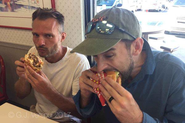 burger wrestling