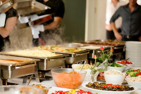 Zum Mittagstisch im Landkreis Celle können SIe auch ein Buffet buchen