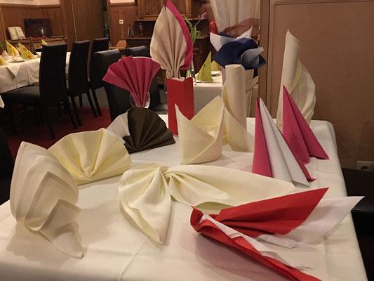 Eine kleine Auswahl unserer Serviettenformen