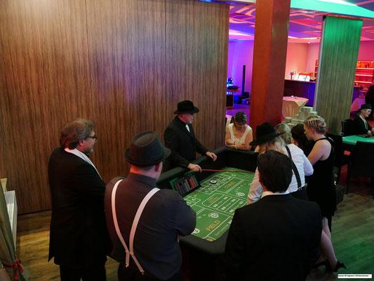 Casino die Weihnachtsfeier mit Roulette, Black Jack, Poker