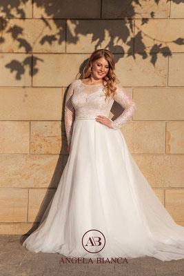 Brautkleid große Größemit langen Ärmel aus Spitze und Softtüll vorne