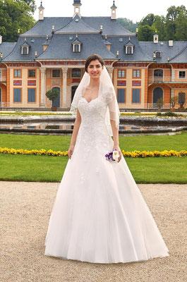 Brautkleid Prinzessin Spitze und Schleppe