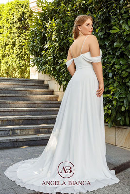 Brautkleid große Größe schlicht aus Chiffon mit Carmenträgern hinten