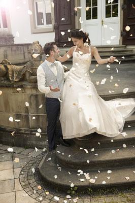 Brautkleid mit Schleppe und Trägern