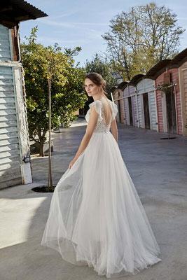 Vintage Brautkleid mit kleinen Punkten im Softtüll, Spitze und Volantärmelchen hinten