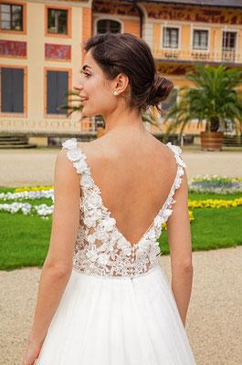 Brautkleid 3D Spitze mit tiefem Rücken