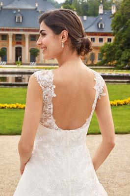 Brautkleid Prinzessin Spitze und Schleppe tiefer Rücken