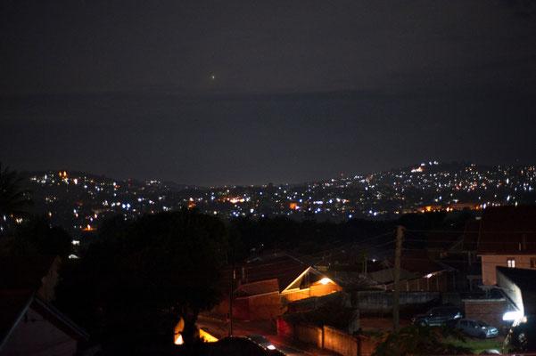 Kampala bei Nacht