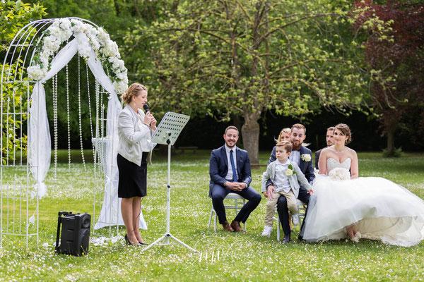 Cérémonie laïque de mariage by Charlotte Vilain/ crédit photo Mélanie Vaury