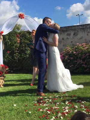 Cérémonie laïque de mariage by Charlotte Vilain / Crédit photo: Marion Colombani