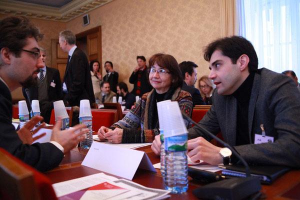 Yahyâ Abd al-Ahad Zanolo, membre de la COREIS italienne, Madame Micheline Rey, Expert auprès du Conseil de l'Europe et Monsieur Bashar Darwazeh, Chef de Mission adjoint à l'ambassade du Royaume Hachémite de Jordanie