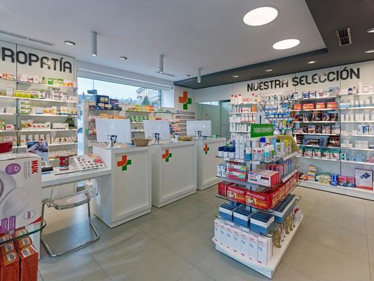 Diseño, proyecto y reforma farmacia Das Mercedes - Lugo Galicia