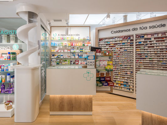 Diseño, proyecto y reforma farmacia Pedro Diaz-  Ribadeo- Galicia